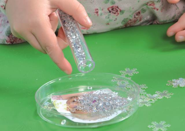 Christmas craft - snow globe