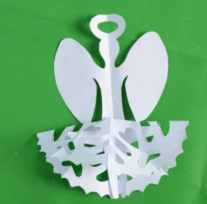 how to make a paper snowflake angel
