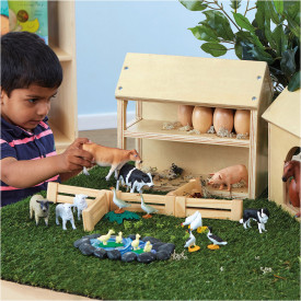 Farm Buildings Play Set